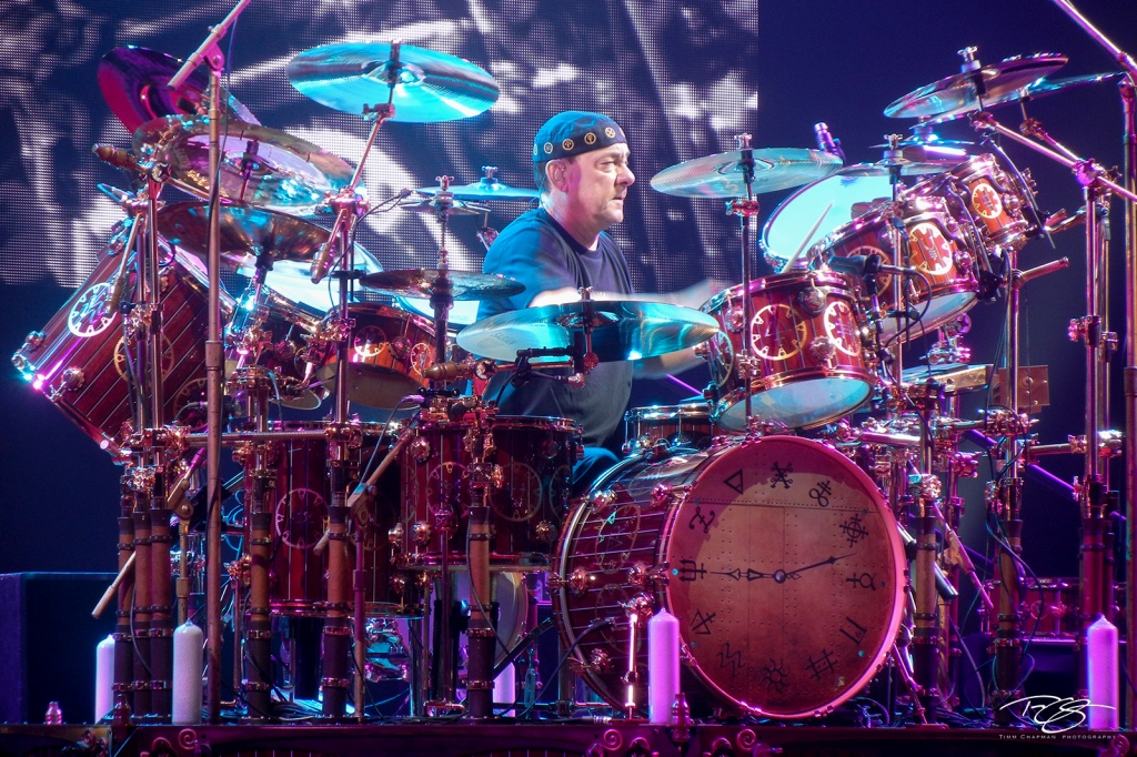 Neil Peart performs with clockwork precision